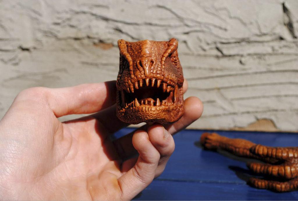 Tyrannosaurus - smoking pipe carved from briar wood
