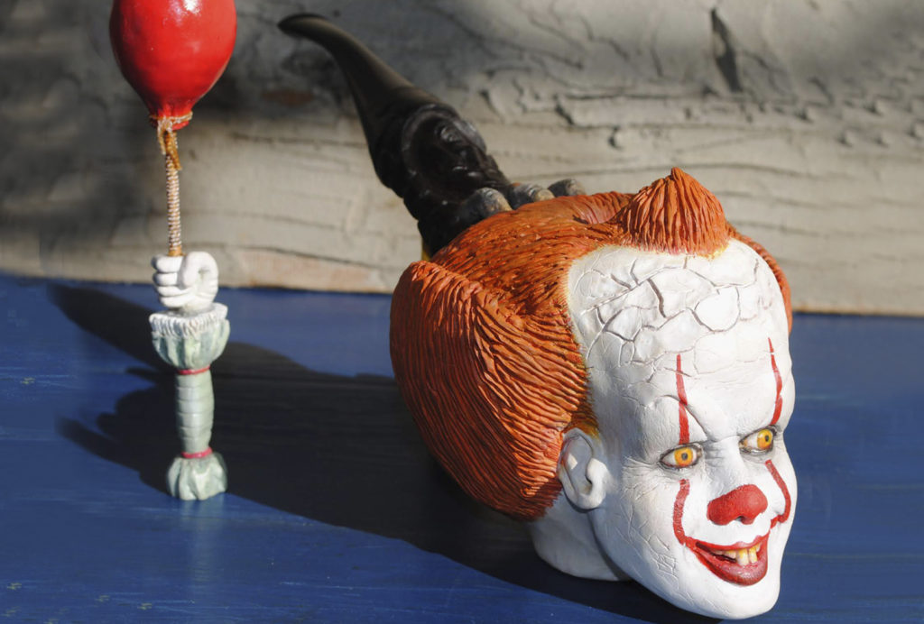 Pennywise pipe-carved from briar wood