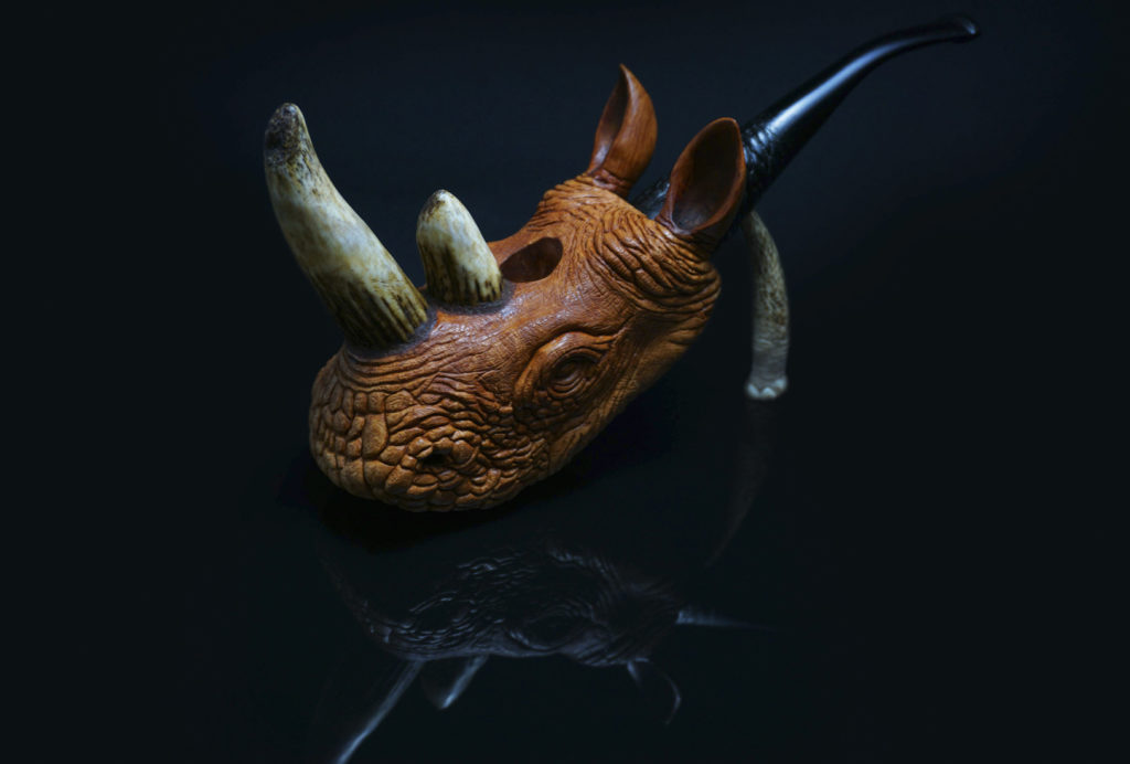 Rhino - smoking pipe carved from briar wood