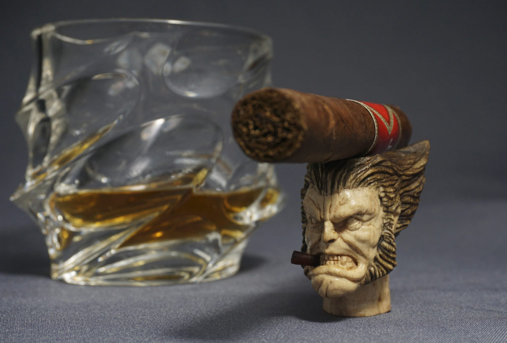 Wolverine - Wood Carved Cigar Holder