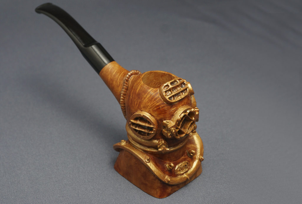 Diving Helmet - Smoking Pipe